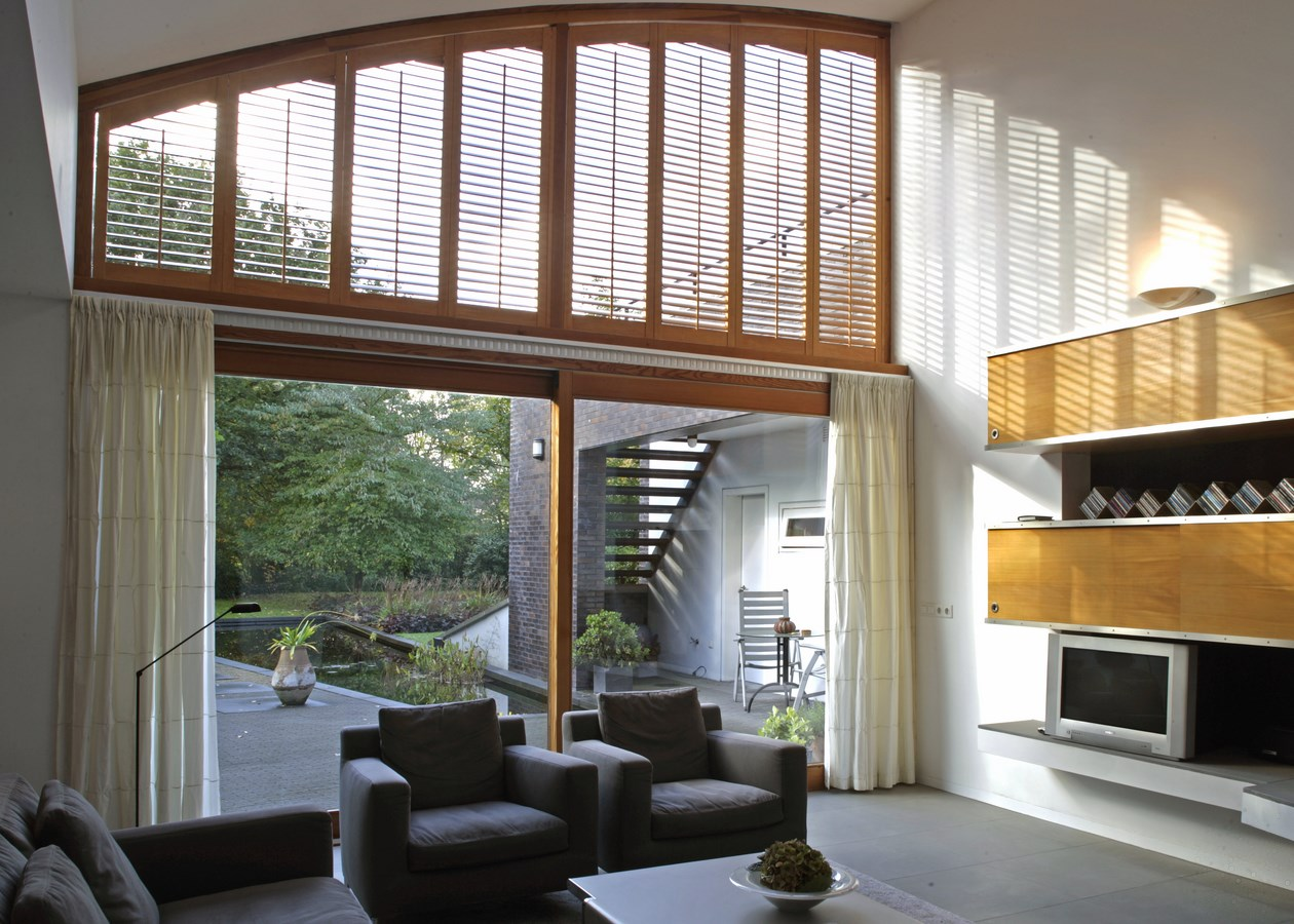 JASNO shutters hoog houtkleur