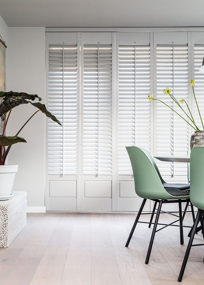 Witte shutters smal